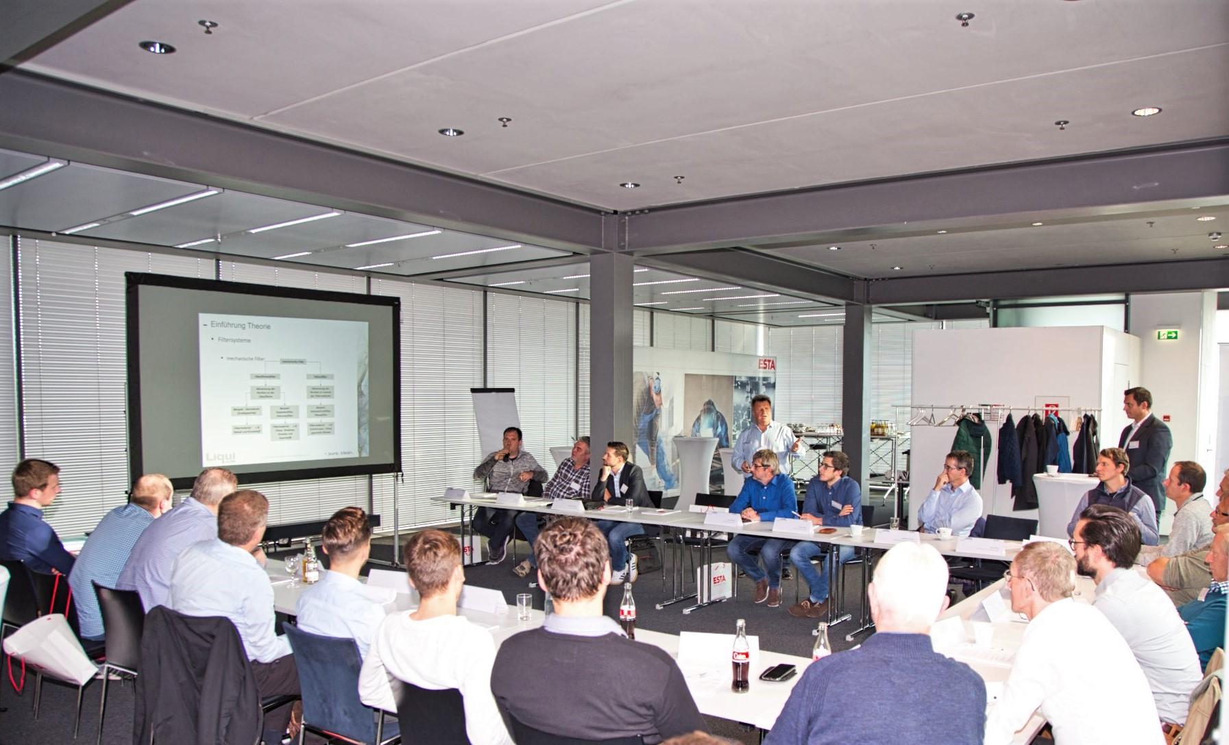 Mitglieder des EnBW Netzwerktreffens bei ESTA