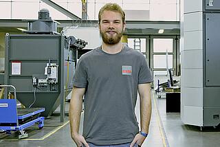 Tobias Lackner, Ausbildung zum Mechatroniker bei ESTA.