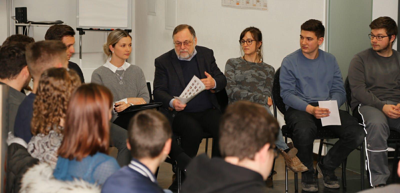 ESTA Azubis im Gespräch mit Dr. Peter Kulitz