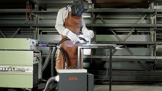 Die SRF T-Serie ist ein stationärer Schweissrauchfilter.