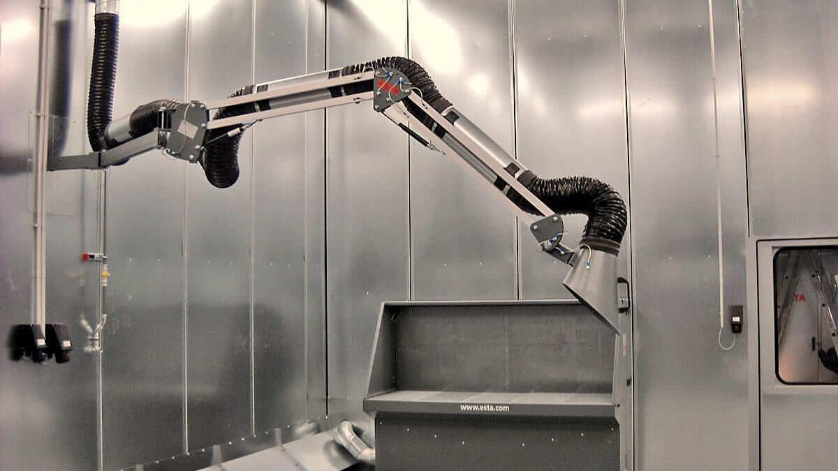 Die stationäre Aufstellung der Absaugkabine mit Absaugarm ist möglich.