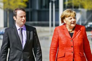 ESTA Gesellschafter Alexander Kulitz und Bundeskanzlerin Angela Merkel.