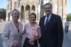 ESTA Gesellschafterin Jessica Kulitz mit Annette Schavan und Franz-Josef Jung.