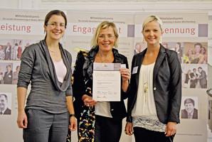 ESTA Gesellschafterin Jessica Kulitz, Sekretärin der Geschäftsleitung Monika Löffler und Personalreferentin Katja Keller.